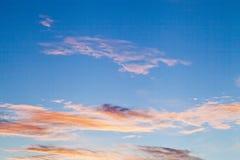 在天空的云彩 免版税库存图片
