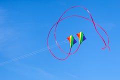 在天空的五颜六色的风筝 库存图片
