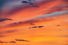 在天空的令人惊讶的cloudscape 免版税库存照片