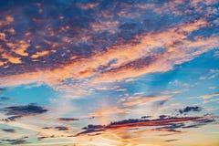 在天空的令人惊讶的cloudscape 图库摄影