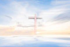 在天空的十字架 免版税库存图片