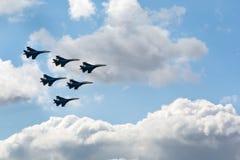 在天空的喷气式歼击机 图库摄影
