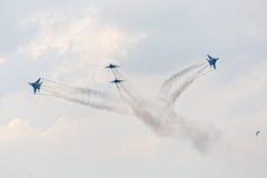 在天空的四架战争喷气机 免版税库存照片