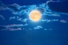 在天空的大月亮 库存图片