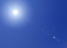 在天空的太阳 免版税库存图片