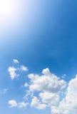 在天空的好的白色云彩 库存照片