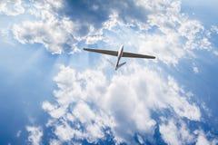 在天空的无人空中车 库存图片