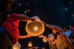 在天空的浮动灯 免版税库存图片