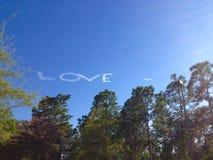 在天空的爱 免版税库存图片