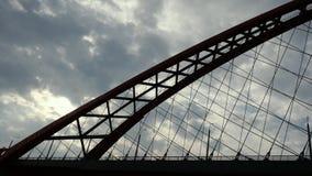 在天空的美丽的桥梁与云彩backround 免版税库存照片