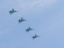 在天空的苏-34在莫斯科 库存图片