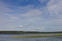 在天空的蓝色湖 库存图片