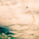 在天空的行动在airshow期间 免版税图库摄影