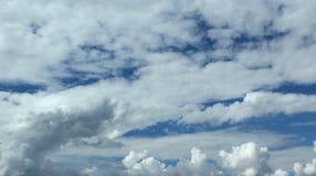 在天空的许多云彩 库存照片