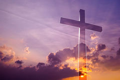 在天空的难以置信的十字架 库存照片