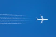 在天空的飞机 免版税图库摄影