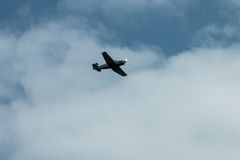 在天空的飞机 免版税库存照片