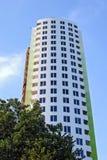 在天空背景的多故事大厦 免版税图库摄影