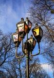 在天空背景的美好的街灯  免版税库存图片