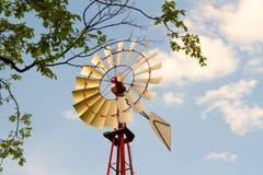 在天空蔚蓝的风车 库存照片