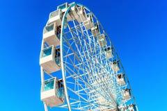 在天空蔚蓝背景的弗累斯大转轮  库存图片