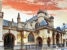 在天窗附近的教会圣徒热尔曼l'Auxerrois。Paris.France. 免版税库存图片