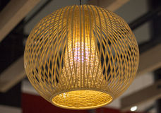 在天花板的时髦的灯 免版税库存图片