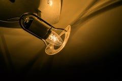 在天花板的昏暗的光 库存图片