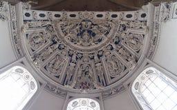 在天花板的巴洛克式的雕塑在特里尔主教座堂 免版税图库摄影
