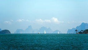 在天际的帆船 免版税图库摄影