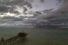 在天际的风暴 免版税库存照片
