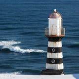 在太平洋海岸的灯塔  堪察加半岛 库存图片