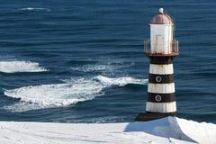 在太平洋海岸的灯塔  彼得罗巴甫洛斯克Kamchatsky 库存照片
