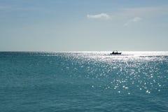 在太阳下的划船 免版税库存图片