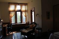在夫人的平安的就座区域 特拉斯克的卧室, Yaddo庭院,萨拉托加斯普林斯,纽约, 2014年 免版税库存照片