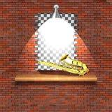 在失败砖墙的萨克斯管 免版税库存照片