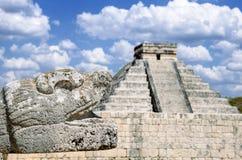 在奇琴伊察,世界的奇迹的kukulcan寺庙 免版税图库摄影