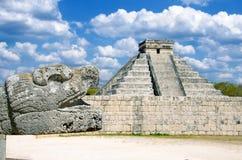 在奇琴伊察,世界的奇迹的kukulcan寺庙 免版税库存照片