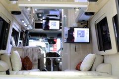 在奔驰车活动房屋汽车的豪华室内装璜 图库摄影