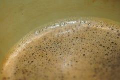 在奖杯杯特写镜头细节宏指令射击的泡沫似的咖啡 库存图片