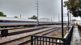 在奥兰多健康Sunrail驻地01的美国国家铁路公司火车 免版税库存照片