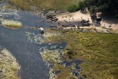 在奥卡万戈三角洲的一个mokoro驻地 库存图片