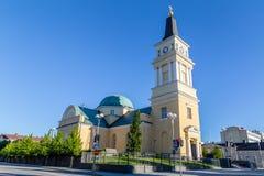 在奥卢附近,芬兰的中心的大教堂 免版税库存图片