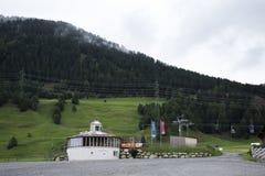 在奥地利意大利边界附近的缆车驻地区域  库存图片