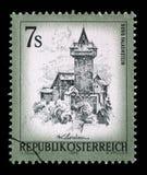在奥地利打印的邮票显示城镇Falkenstein 免版税库存图片
