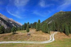 在奥地利的山的谷 免版税库存图片