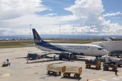 在奥尔托国际机场的Boliviana de Aviacion飞机 免版税库存图片
