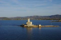 在奥尔比亚` s海湾入口的灯塔  库存照片