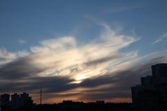 在奥斯坦基诺塔的美丽如画的云彩 图库摄影