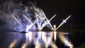 在奥林匹克湖的五颜六色的烟花 图库摄影